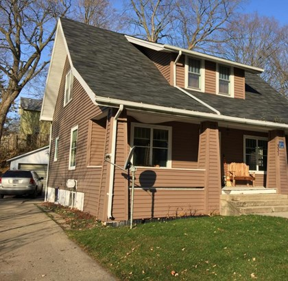 Single Family Residence, Bungalow - Ionia, MI (photo 2)