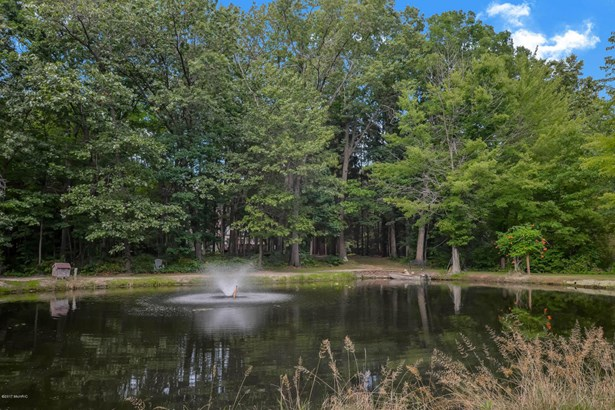 Single Family Residence, Traditional - Three Rivers, MI (photo 4)