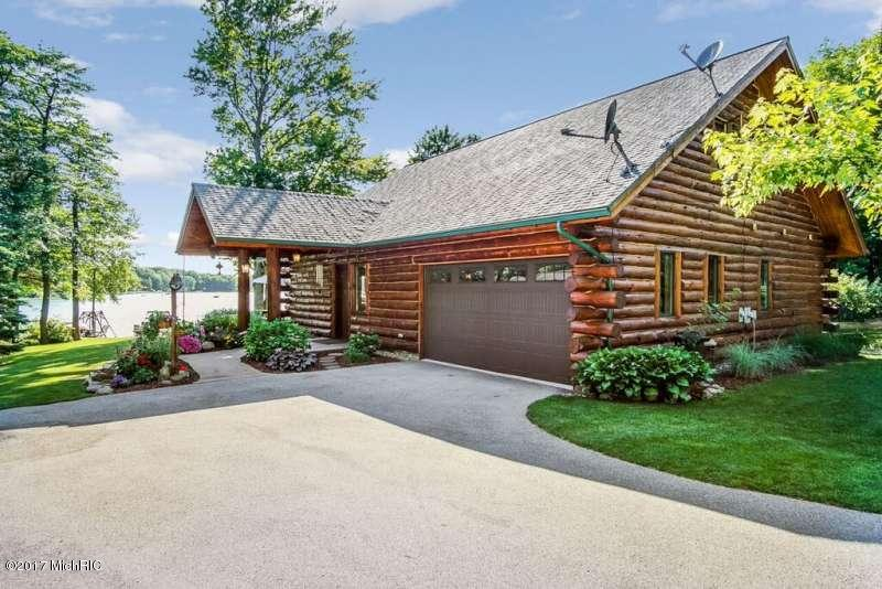 Single Family Residence, Log Home - Scottville, MI (photo 2)