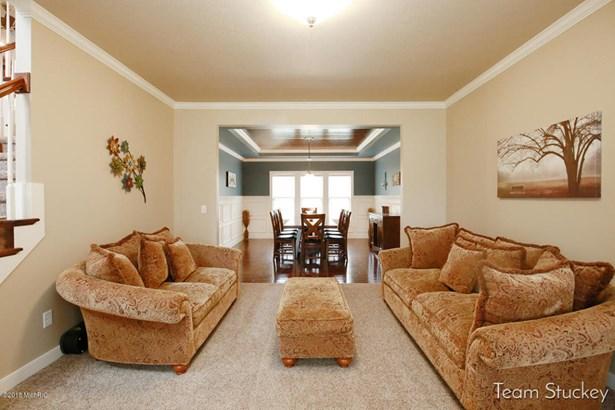 Single Family Residence, Traditional - Alto, MI (photo 4)