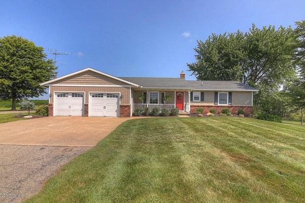 Single Family Residence, Ranch - Hamilton, MI (photo 1)
