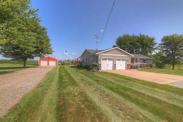 Single Family Residence, Ranch - Hamilton, MI (photo 3)