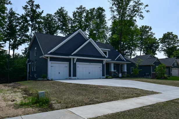 Single Family Residence, Traditional - Hudsonville, MI (photo 2)