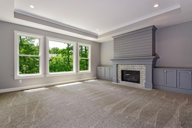 Single Family Residence, Traditional - Hudsonville, MI (photo 5)