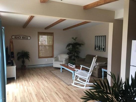 Single Family Residence, Ranch - Belding, MI (photo 3)