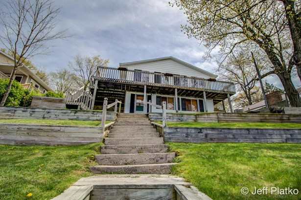 Single Family Residence, Ranch - Gowen, MI (photo 2)