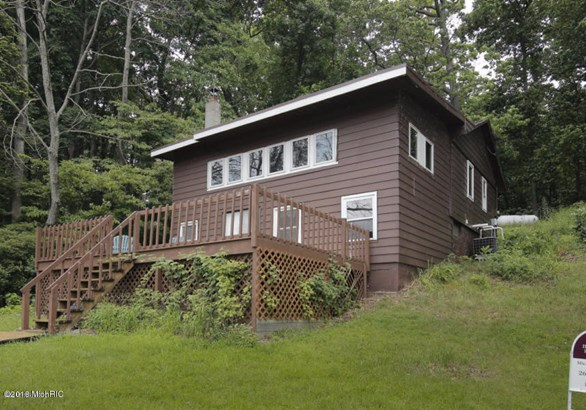 Cabin/Cottage, Single Family Residence - Hastings, MI (photo 1)