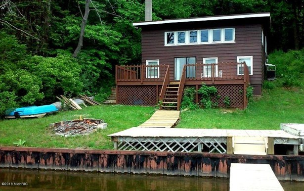 Cabin/Cottage, Single Family Residence - Hastings, MI (photo 2)