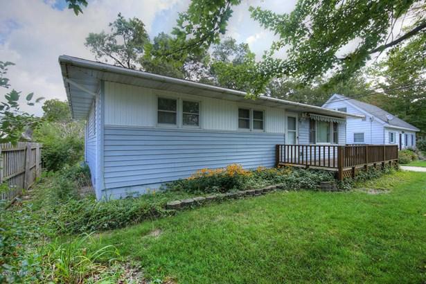 Single Family Residence, Ranch - Muskegon, MI (photo 2)