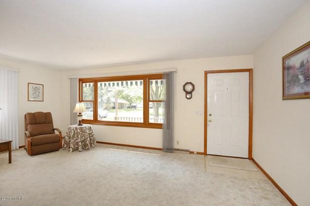 Single Family Residence, Ranch - Muskegon, MI (photo 4)