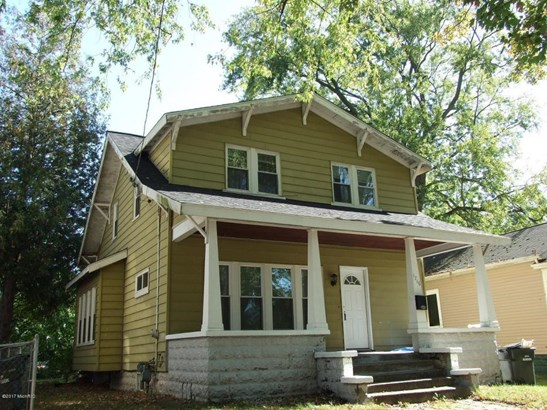 Single Family Residence, Traditional - Muskegon, MI (photo 1)