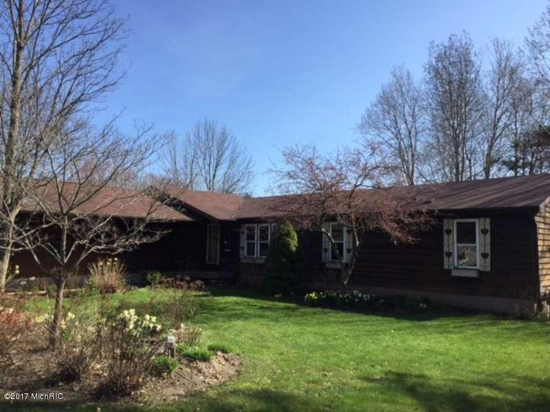 Single Family Residence, Ranch - Scottville, MI (photo 1)