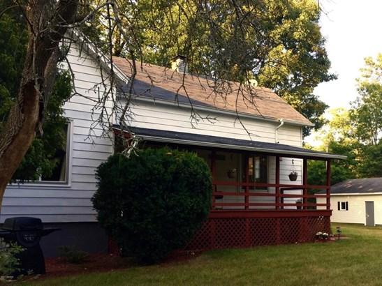 Farm House, Single Family Residence - Muskegon, MI (photo 3)