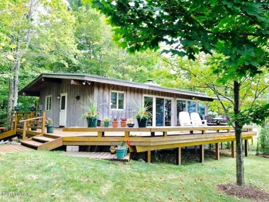 Cabin/Cottage, Single Family Residence - Manistee, MI (photo 1)