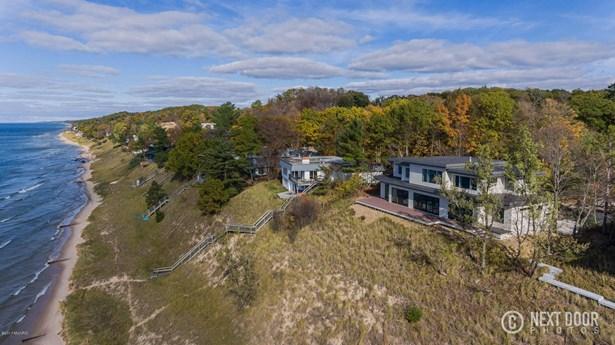 Single Family Residence, Contemporary - Ferrysburg, MI (photo 5)