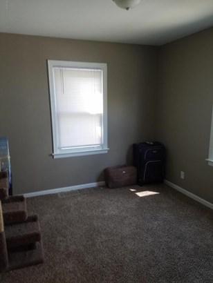 Single Family Residence, Bungalow - Wyoming, MI (photo 5)