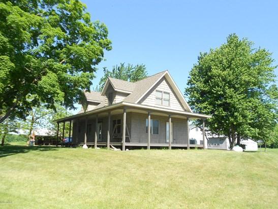 Cape Cod, Single Family Residence - Scottville, MI