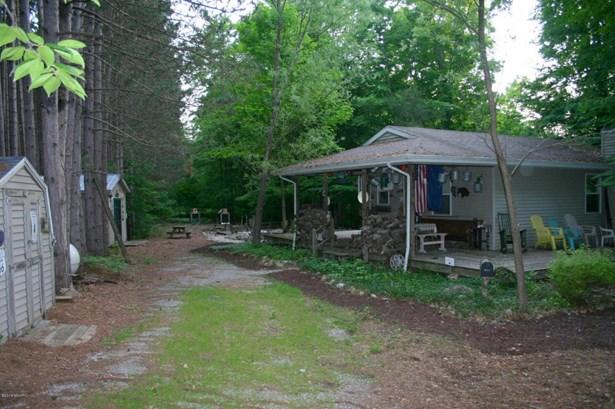Single Family Residence, Traditional - Hesperia, MI