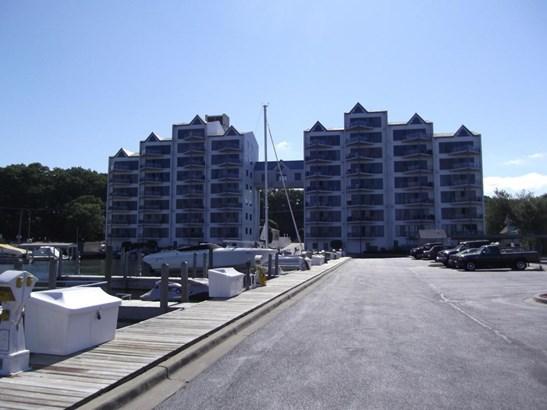Condominium, Contemporary - Muskegon, MI (photo 1)