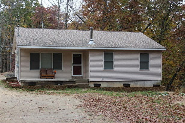 Single Family Residence, Ranch - Belding, MI (photo 1)