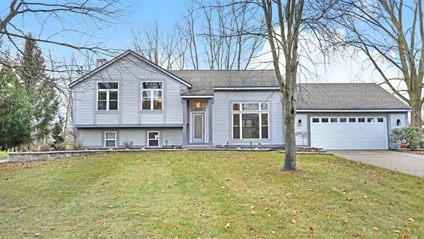 Single Family Residence, Quad Level - Byron Center, MI