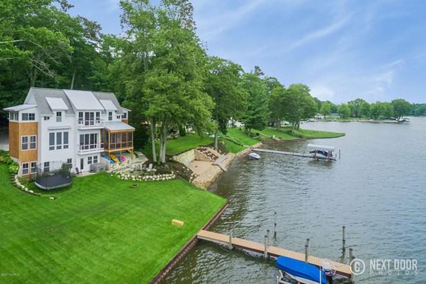 Single Family Residence, Traditional - Spring Lake, MI (photo 4)