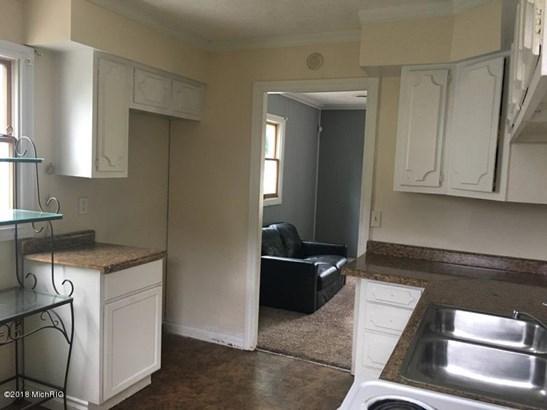 Single Family Residence, Ranch - Lansing, MI (photo 4)