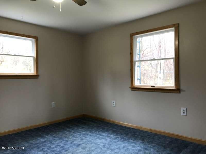 Single Family Residence, Ranch - Ludington, MI (photo 5)
