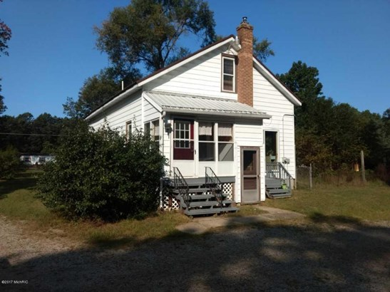 Cape Cod, Single Family Residence - Muskegon, MI (photo 1)