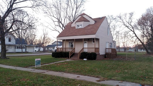 Single Family Residence, Traditional - Belding, MI (photo 2)