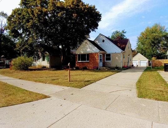 Single Family Residence, Traditional - Wyoming, MI (photo 1)