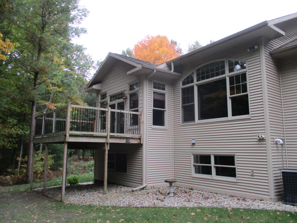 Single Family Residence, Ranch - Ludington, MI (photo 2)