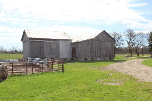 Farm House, Farm - Lakeview, MI (photo 5)