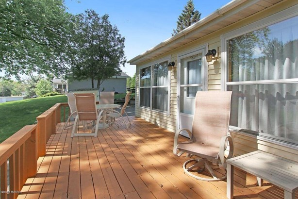 Single Family Residence, Ranch - Ludington, MI (photo 2)