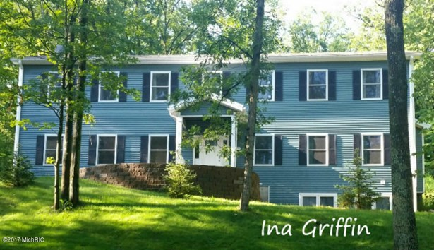 Single Family Residence, Colonial - Lowell, MI (photo 1)
