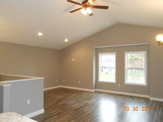 Single Family Residence, Bi-Level - Muskegon, MI (photo 5)