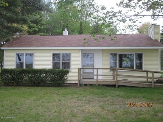 Single Family Residence, Ranch - Norton Shores, MI (photo 2)