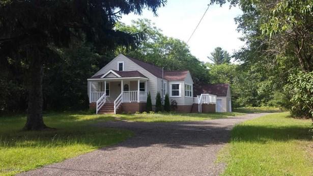 Cape Cod, Single Family Residence - Norton Shores, MI (photo 1)
