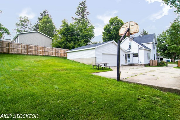 Single Family Residence, Traditional - Middleville, MI (photo 3)