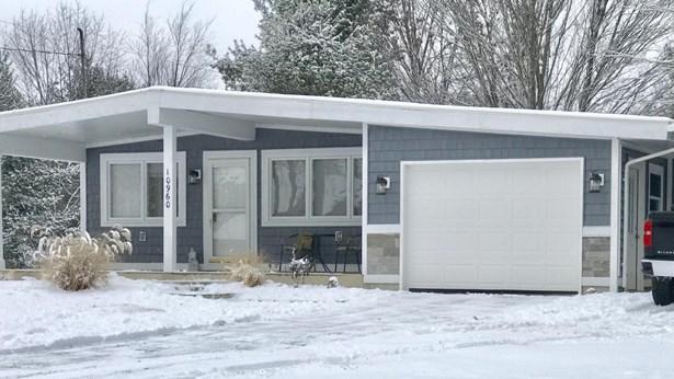 Single Family Residence, Ranch - Canadian Lakes, MI (photo 1)
