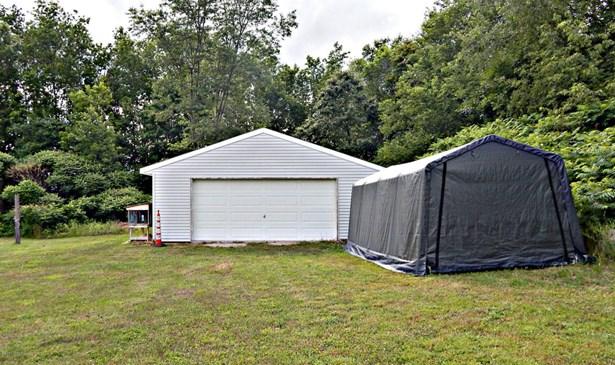 Single Family Residence, Bi-Level - Cedar Springs, MI (photo 2)