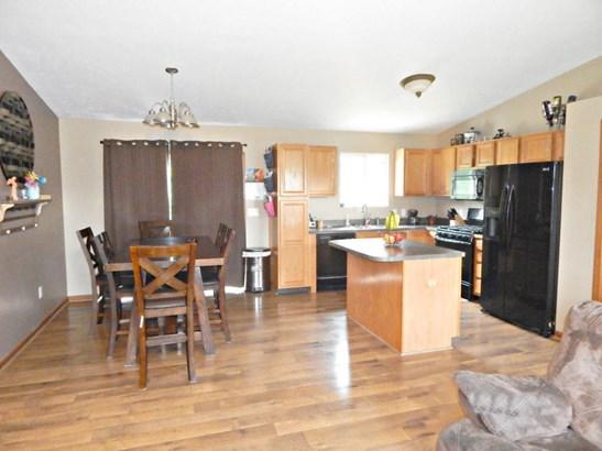 Single Family Residence, Bi-Level - Cedar Springs, MI (photo 4)