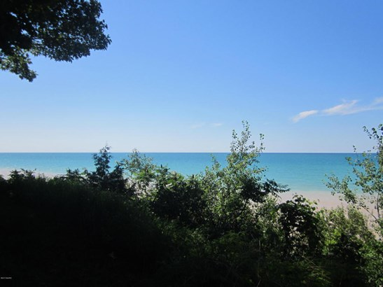 Lot - Manistee, MI (photo 2)