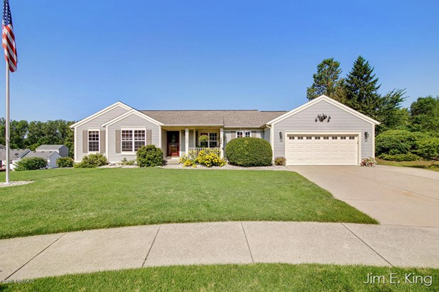 Single Family Residence, Ranch - Comstock Park, MI