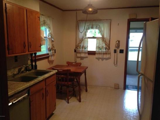 Single Family Residence, Ranch - Hesperia, MI (photo 4)