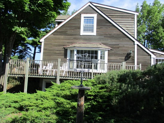 Cape Cod, Single Family Residence - Ludington, MI (photo 3)