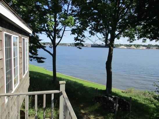 Cape Cod, Single Family Residence - Ludington, MI (photo 5)