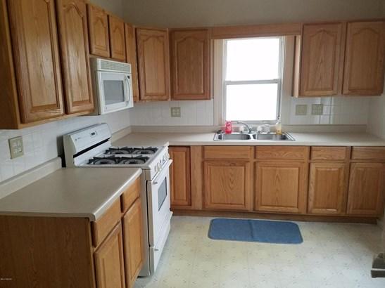Single Family Residence, Bungalow - Wyoming, MI (photo 4)