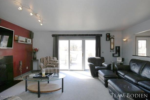 Single Family Residence, Ranch - Grand Rapids, MI (photo 5)