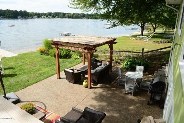 Cabin/Cottage, Single Family Residence - Twin Lake, MI (photo 4)